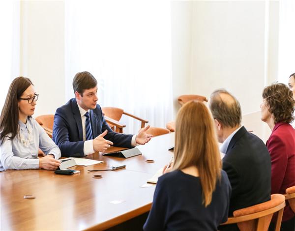 上海嘉定大红鹰国际官方网站企业管理咨询公司流程费用及条件